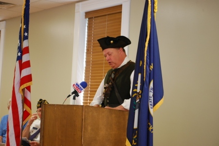 Chapter Pres. Geoff Baggett telling the story of Massachusetts Patriot Captain Isaac Davis.