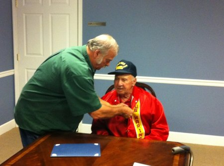 Compatriot Jerry Burlingame Presents the Veteran's Appreciation Medal to U.S. Marine Carlos Lynch