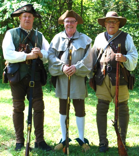 Compatriots Geoff Baggett, Charles Drennan, and Steve Mallory took part in the military gun salute.